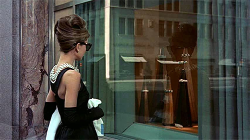 Breakfast-at-tiffanys-window-browsing